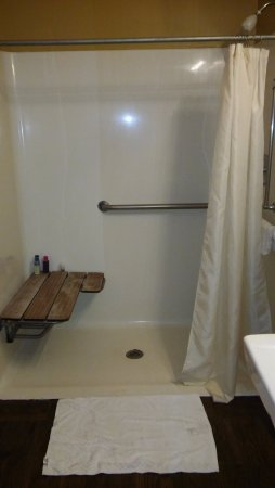 Commodore Resort: I would take a shower in my wheelchair,before I sat on that bench