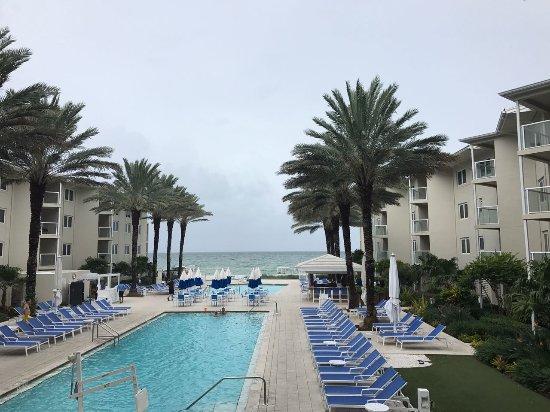 Edgewater Beach Hotel: El clima no ayudo....