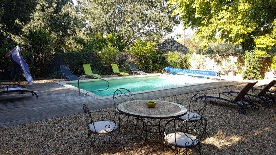 Arpaillargues, Frankrike: Le paradis sur terre ...