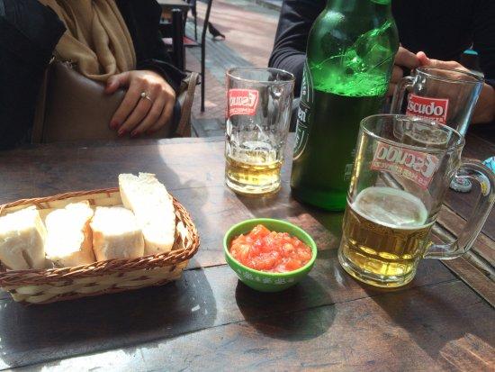 Barrio Bellavista: Bairro com várias opções para comer e beber.