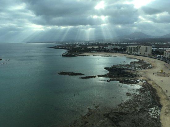 Arrecife Gran Hotel & SPA : View of Beach and Sea