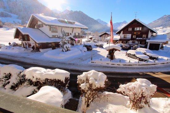 Riezlern, Austria: Gatterhof Haupthaus und Nebenhaus