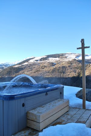 Mineral lodge villaroger france b b reviews photos for Jacuzzi exterieur 6 places