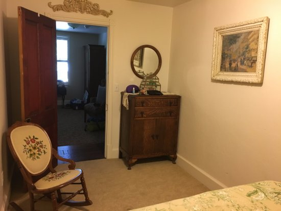Jamestown, CA: Separate bedroom in Jenny Lind suite