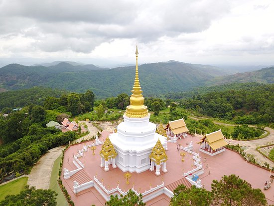 Chiang Rai Province, Thailand: พระธาตุงามสง่า