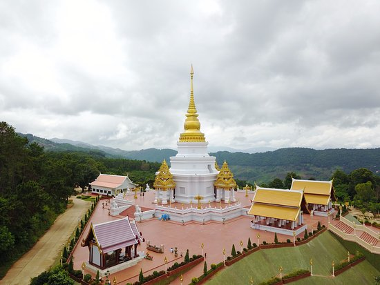 Chiang Rai Province, Thailand: พระธาตุสวยเด่น