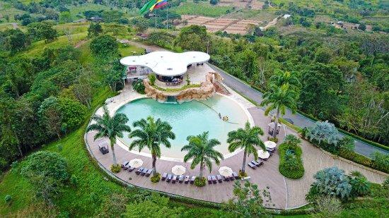 Arenillas, Ecuador: Piscina La Gruta desde el cielo
