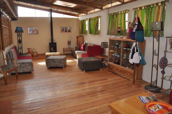 woonkamer - Bild von Inti Sisa Art Guesthouse, Guamote - TripAdvisor