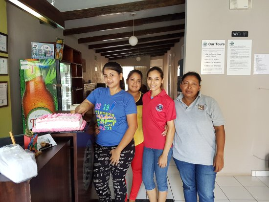 Managua Backpackers Inn: Some of our friendly staff members