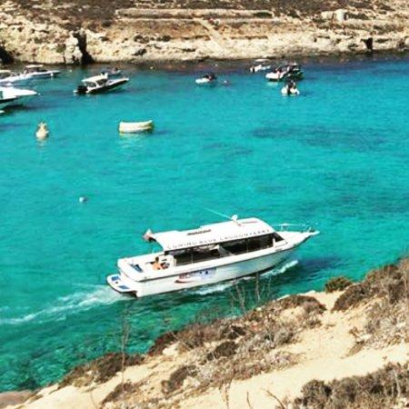 Ghajnsielem, Malta: Maria Regina departing from Blue Lagoon in Comino
