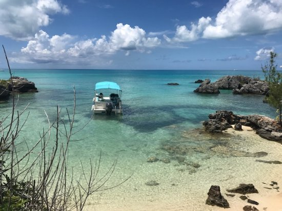 Hamilton, Bermuda: Off 9 Beachs