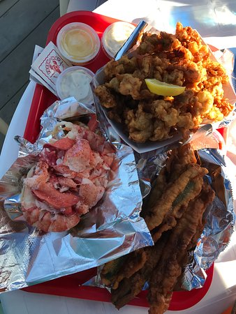 Wiscasset, ME: Lobster Roll, Fried Clams and Zucchini spears