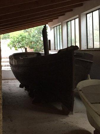 Compendio Garibaldino: Barca di Garibaldi a remi poi trasformata a vela