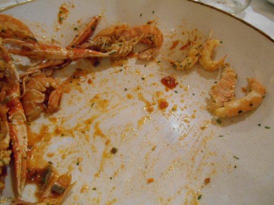 La Vecchia Marina: Pâtes sans plus sur le côté 4 1/2 langoustines .. Non Non.. ce n'est pas le décor mais le plat..