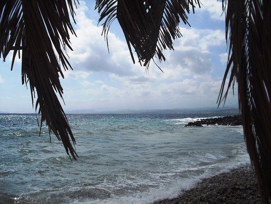 Molos Beach: παραλία