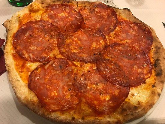 Il Fornello Napoletano : Pizza calabrese (without onion)!