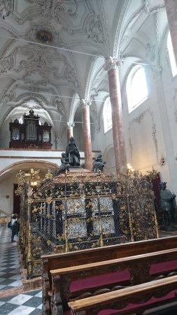 Hofkirche : Grab