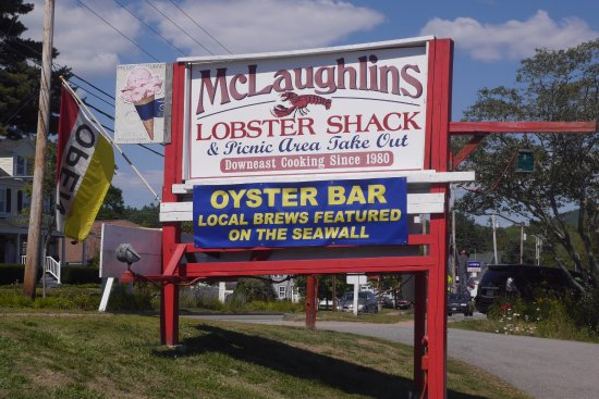 Lincolnville, ME: Restaurant sign from the road