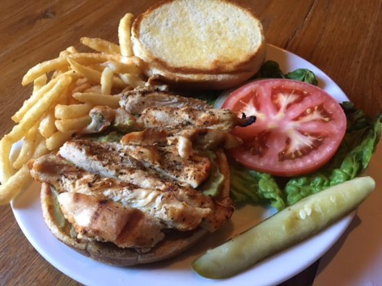 Hotel Eklund Restaurant: Grilled Chicken Sandwich-a healthy sandwich option!