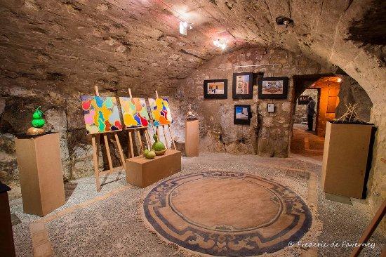 Berre-les-Alpes, Francja: Exposition Cougourdon
