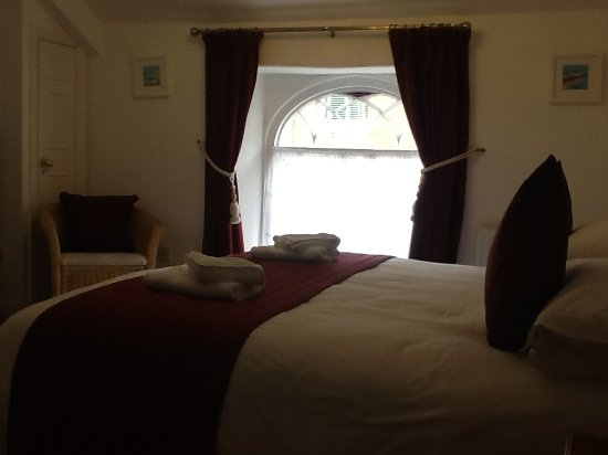 Colyton Holiday Cottages - White Cottage: Our lovely room