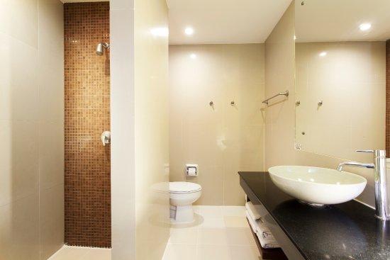 Arinara Bangtao Beach Resort: Deluxe Room