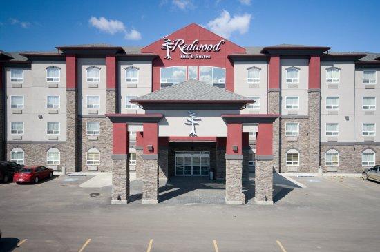 Clairmont, كندا: Hotel Exterior