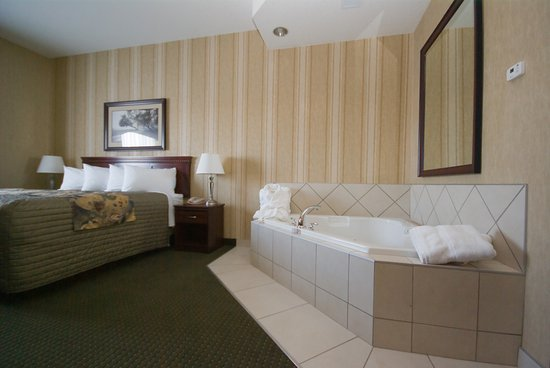 Clairmont, Canada: King Jucuzzi Suite