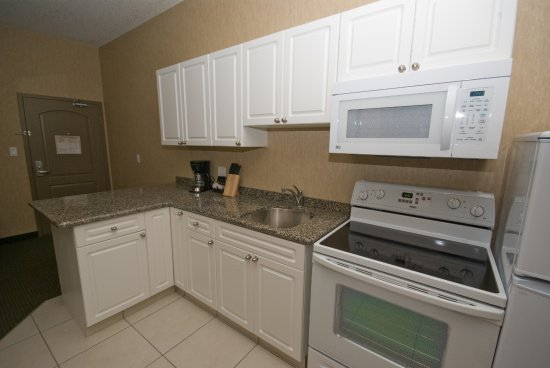 Clairmont, Canada: King Kitchen Suites