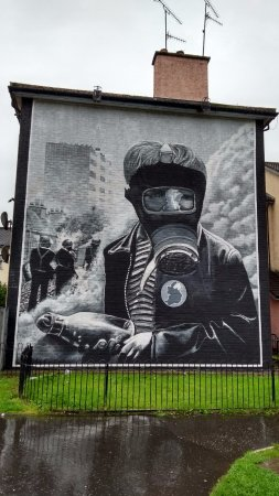 The Bogside Artists : Powerful
