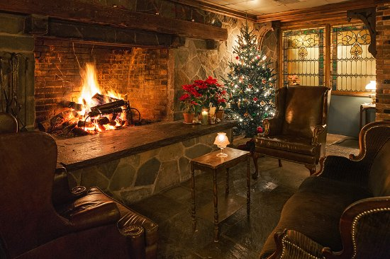 Callicoon, Estado de Nueva York: Cozy Fireside at The Western Restaurant - Dec 2016