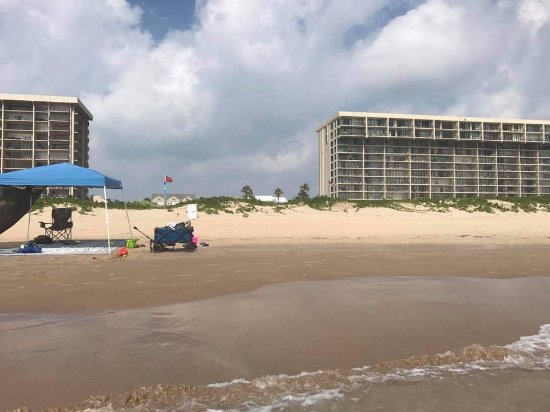 Suntide III Condominiums: the condo is seen to the right, from the beach