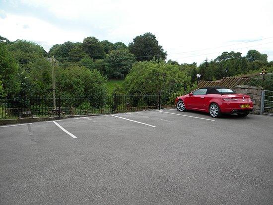 The Malthouse B&B: Car Park