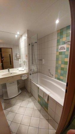 Alexisbad, Germany: The bathroom