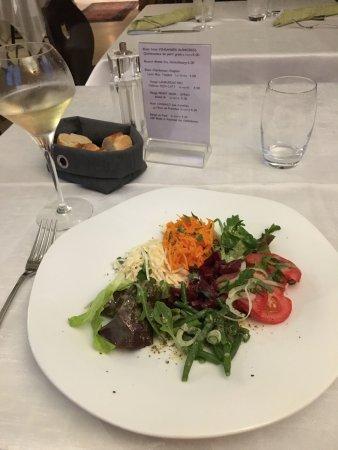 Aux Trois Fleurs : Salad
