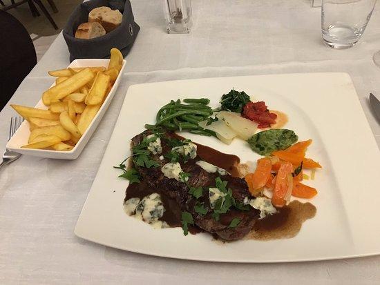 Aux Trois Fleurs : Steak