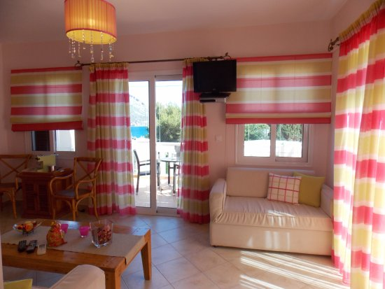 Myrties, Greece: Nera Apartment - Living Room Area