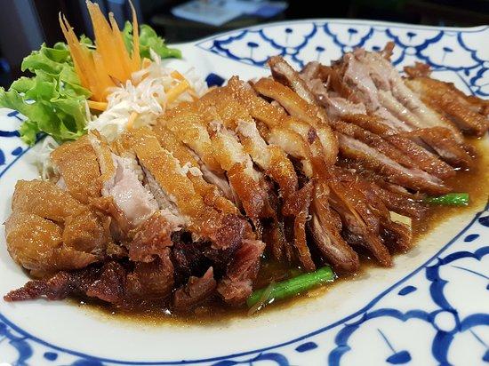 Buhl, Jerman: Wer thailändisches Essen möchte, das so schmeckt wie in Thailand, der ist hier genau richtig. Di