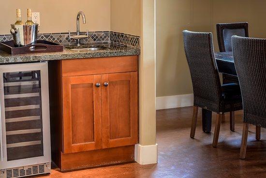 Solara Resort & Spa - Bellstar Hotels & Resorts: Wine fridges in all Solara's suites