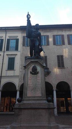 Monumento Al Garibaldino