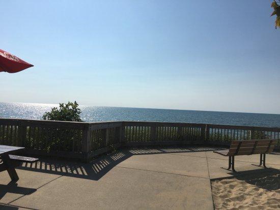 Saugatuck, MI: Oval Beach restrooms and food / drinks deck