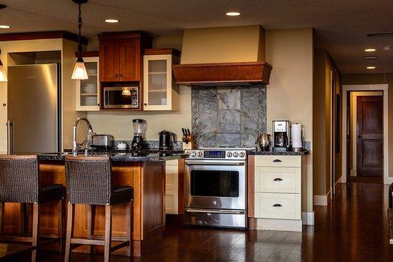 Solara Resort & Spa - Bellstar Hotels & Resorts: Fully stocked gourmet kitchens are standard amenities