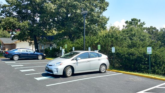 Clarion Inn Harpers Ferry: There is a solar car charging station adjacent to the hotel and restaurant.