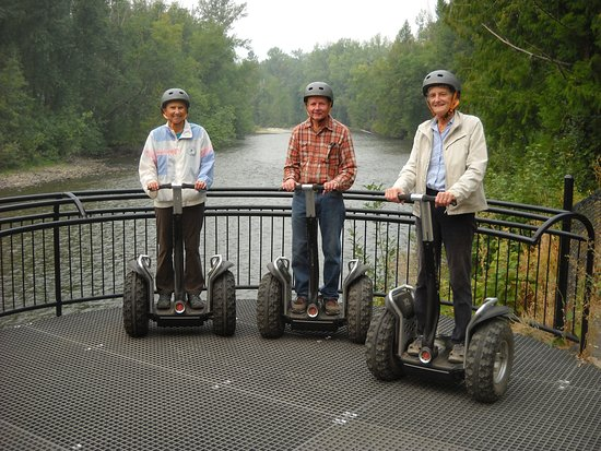 Scotch Creek, Kanada: Three old rollers on the river!