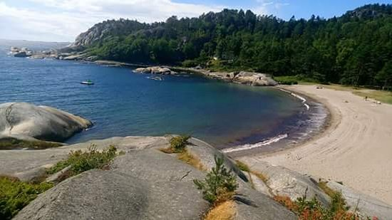 Larvik, Norway: The beach by the nature camping beside Ulabrand