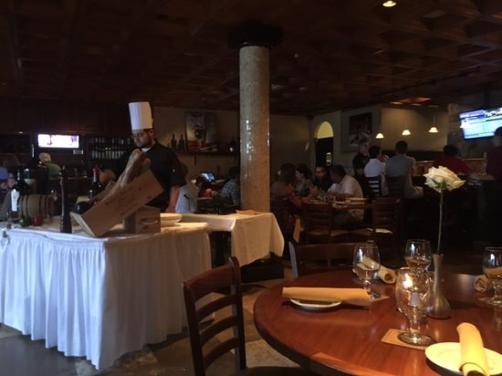 DaVinci's : Davinci bar and dining area