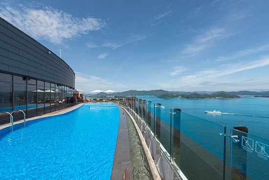 Stanford Hotel & Resort: Infinity Pool