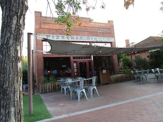 Pizzeria Bianco: Exterior