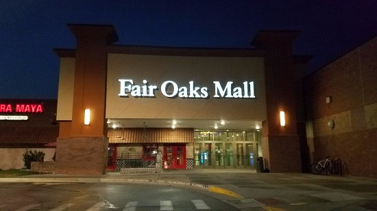 Columbus, IN : mall entrance