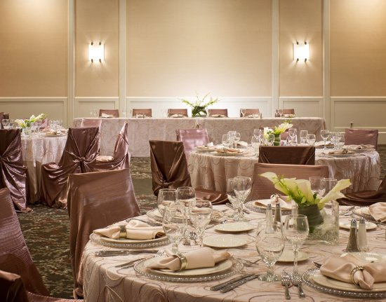 Southfield, MI: Algonquin Ballroom